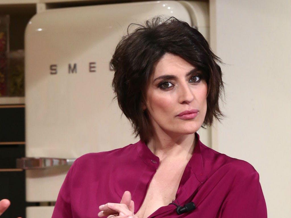 """""""La trasmissione si riduce…"""". Elisa Isoardi, il 'grido' di a"""
