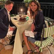 """""""Grazie..."""". Benedetta Parodi e Fabio Caressa, fuga d'amore: hanno tanto da festeggiare"""
