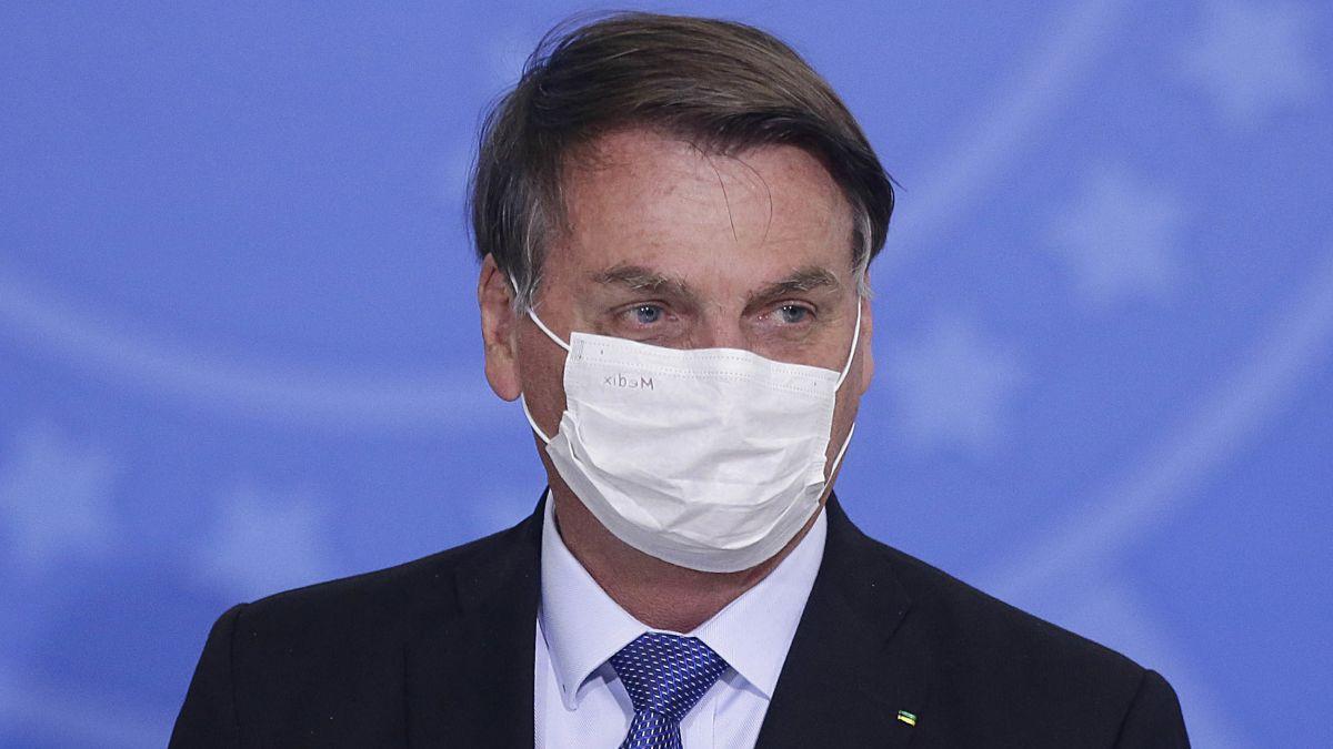 Coronavirus, il presidente del Brasile Bolsonaro positivo: l