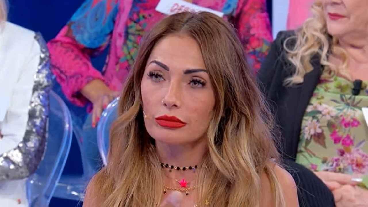 """""""È finita!"""". Ida Platano, spunta la prova regina su Riccardo Guarnieri. La forniscono Sossio e Ursula"""