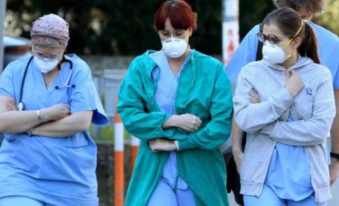 """""""Gli infetti aggirano le regole"""". Coronavirus, l'allarme del"""