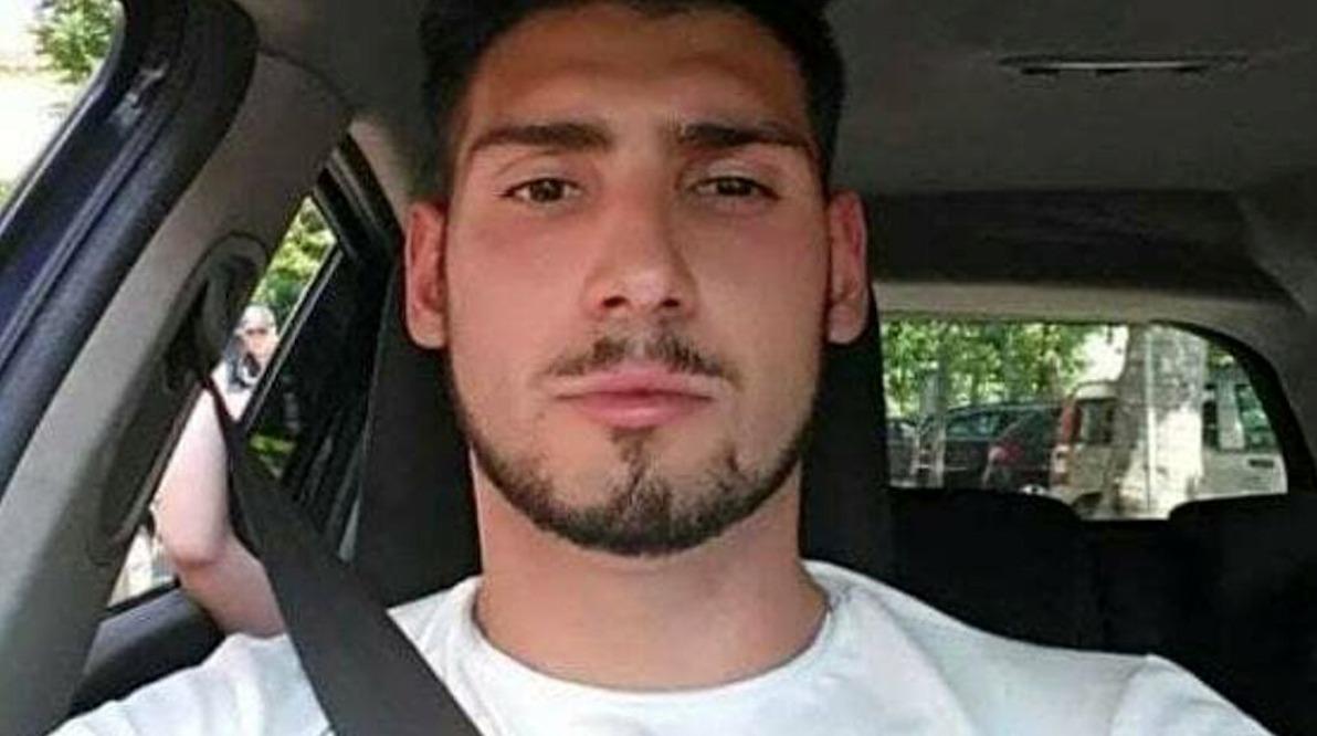 Morto per overdose il 25enne figlio dello scrittore. Anche il padre era con lui