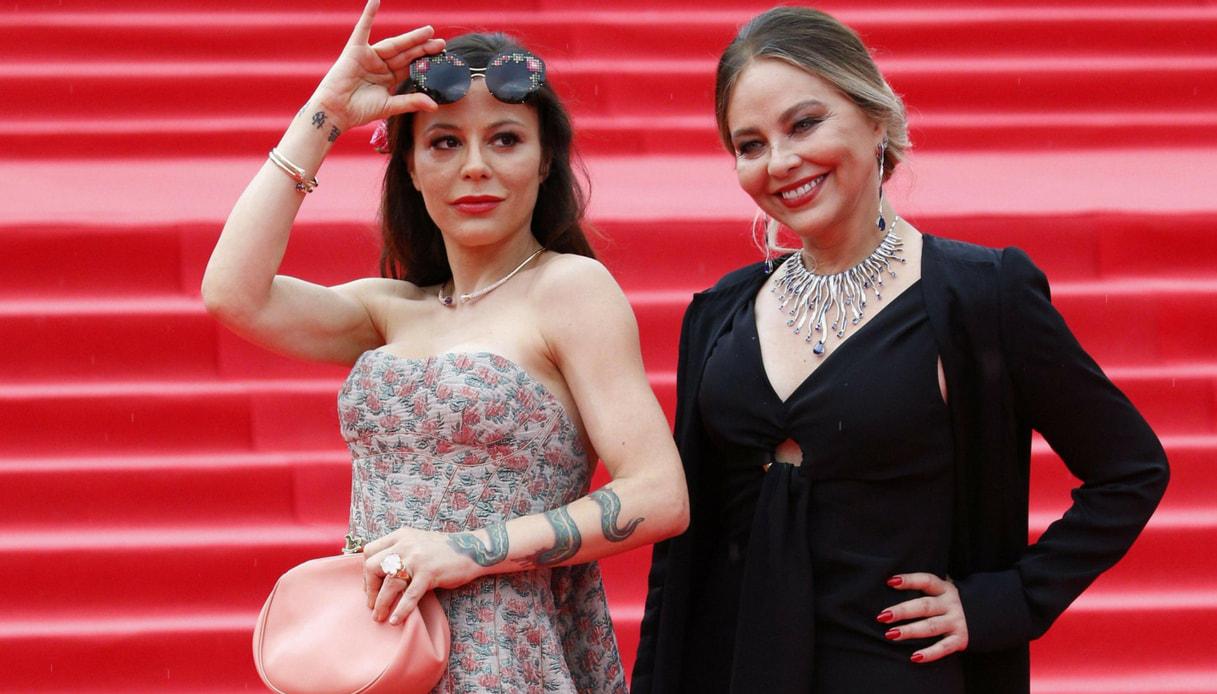 Nuova vita per Ornella Muti: la figlia Naike Rivelli è riuscita a convincerla. Pronte per questa svolta