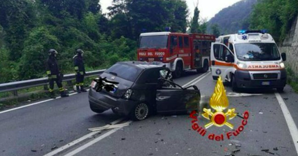 Un terribile incidente in moto e il rischio di paralisi: la pilota Ana Carrasco mostra l'incredibile cicatrice sulla schiena [FOTO]
