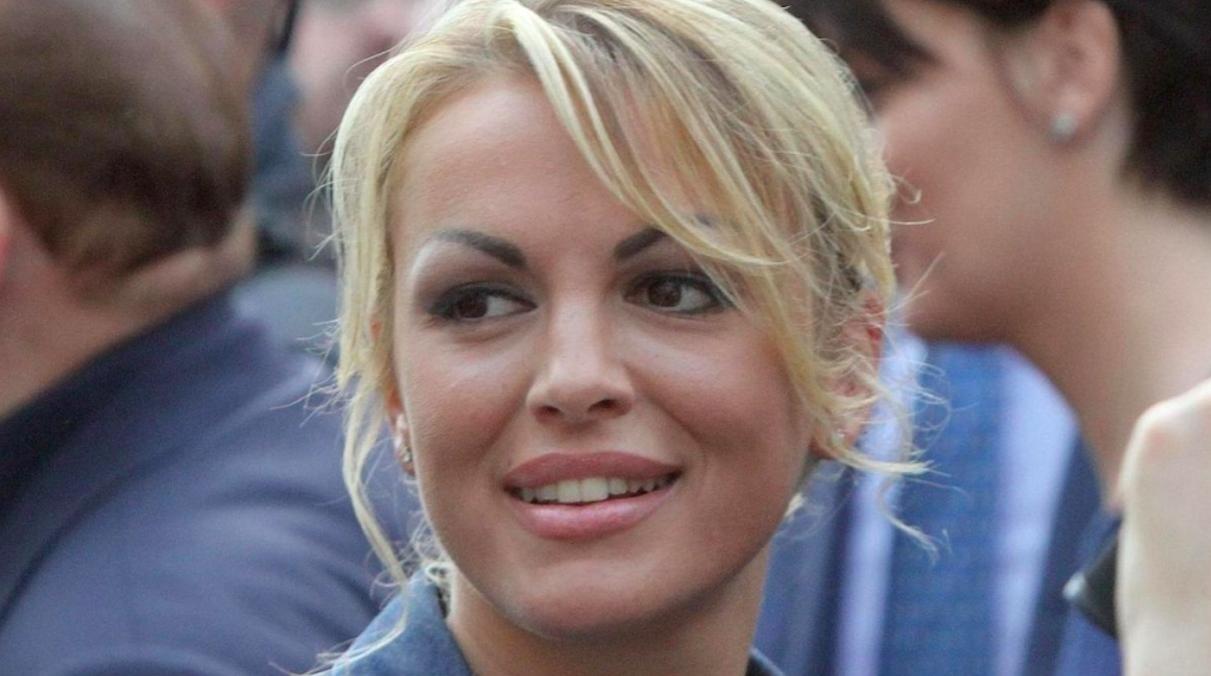 """""""Berlusconi il primo uomo"""". Bomba su Francesca Pascale: """"Nessuno sa una cosa, lo hanno fatto di nascosto"""""""