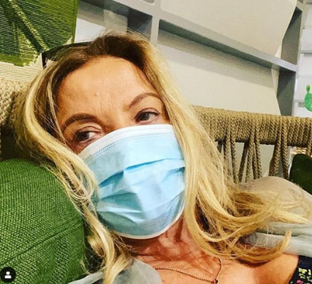 Simona Izzo, a un mese dall'incidente a Capri torna a farsi vedere: condizioni difficili