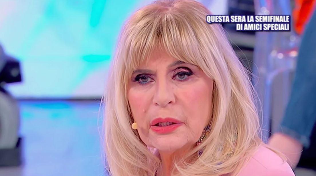 """""""Fai pena"""". Gemma Galgani contro Nicola Vivarelli e finisce sotto attacco: per la dama non c'è un attimo di pace"""