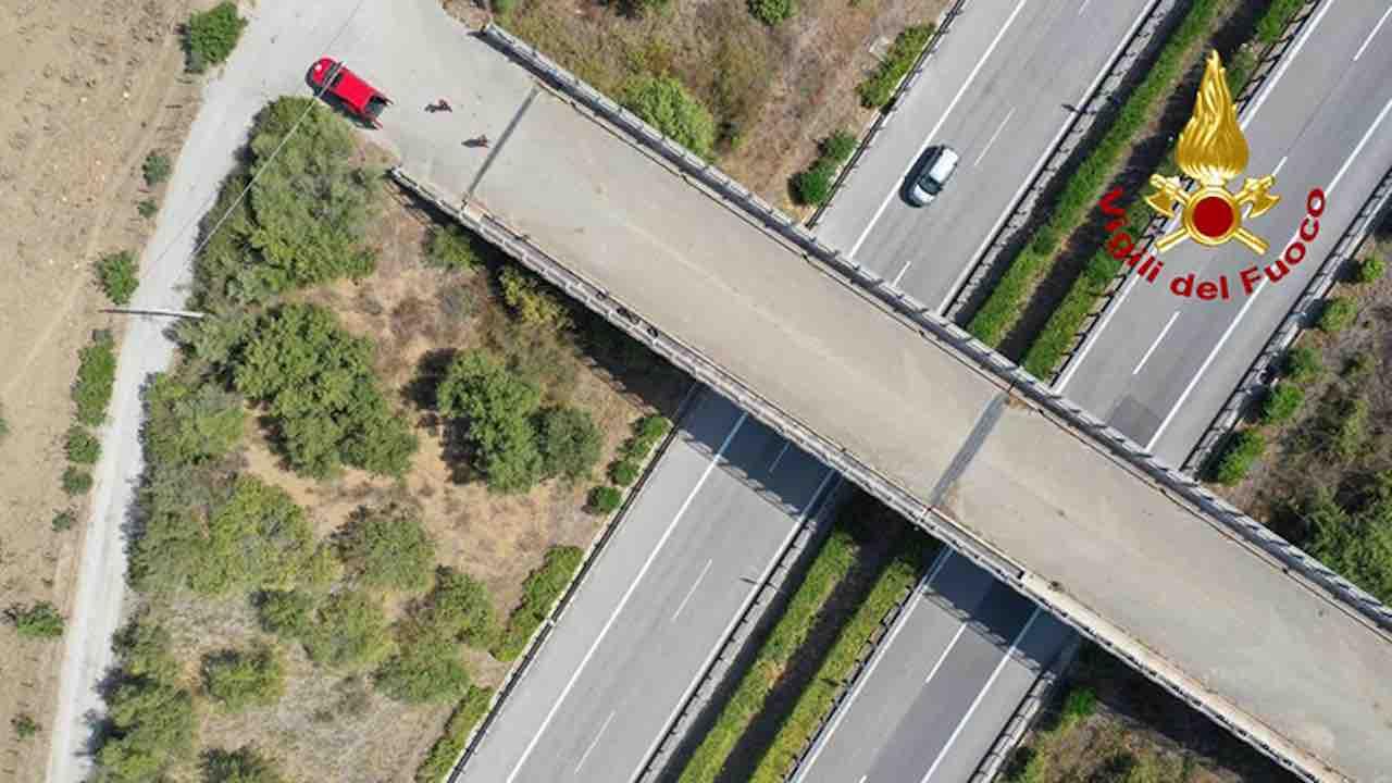 Mamma scomparsa col figlio in autostrada: è suo il cadavere rinvenuto