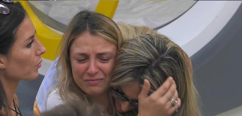 """""""Non posso…"""". Myriam Catania disperata al GF Vip, il crollo e le lacrime dopo poche ore: cosa è successo"""