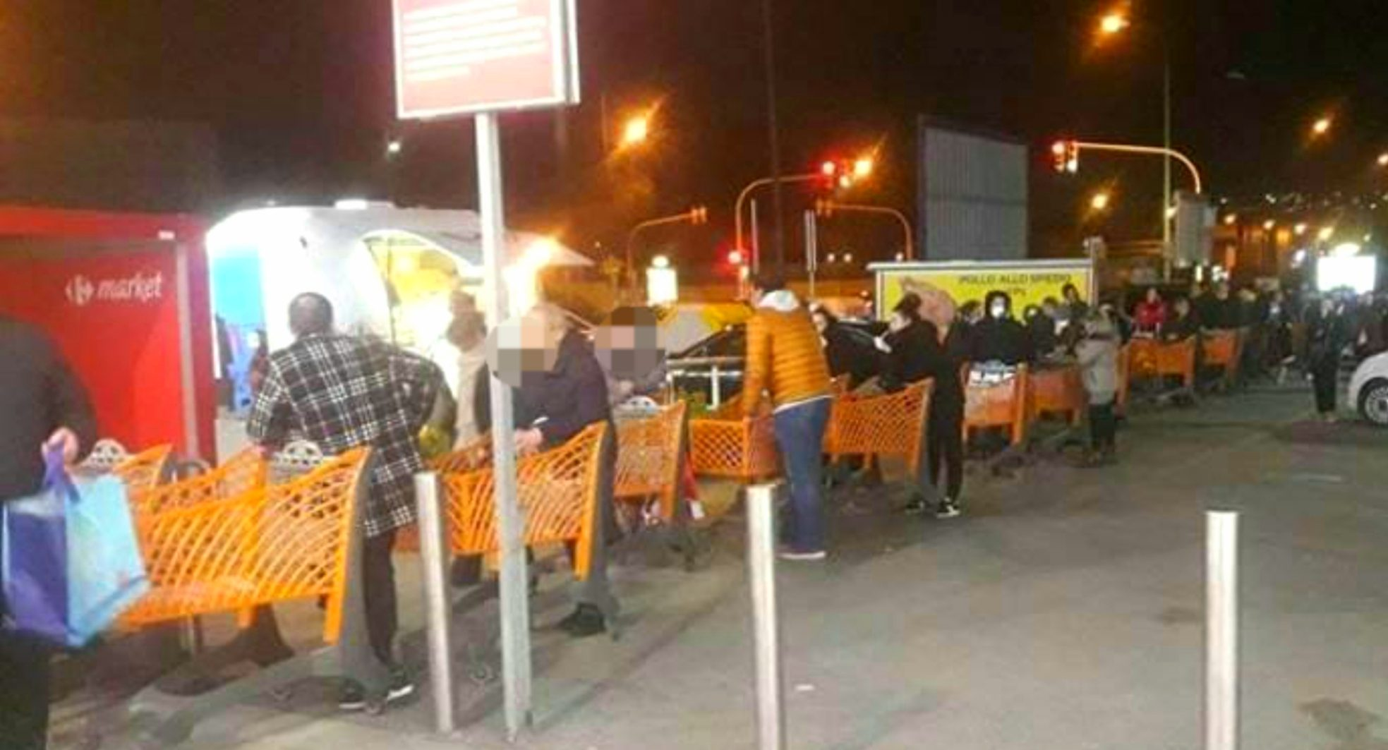 Psicosi nuovo lockdown in Italia, parte l'assalto ai supermercati nella città