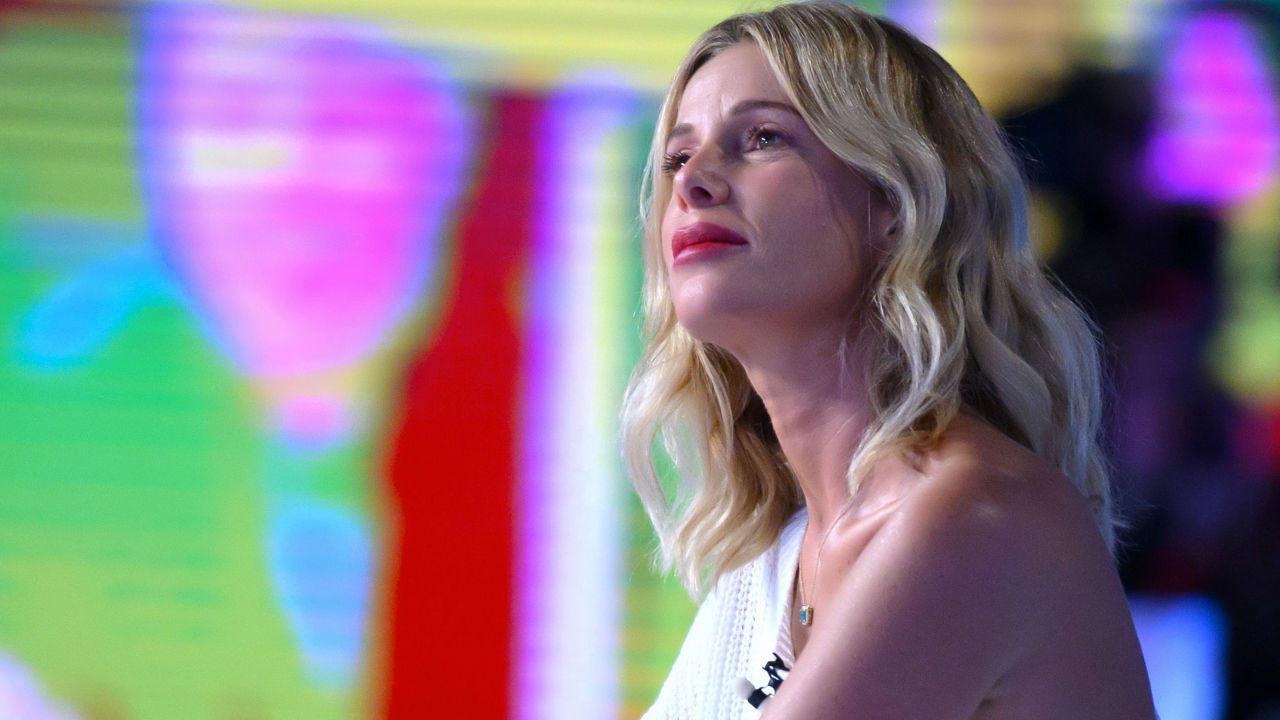 """""""È successo in quel periodo"""". Alessia Marcuzzi: dopo le voci su Stefano De Martino parla della crisi col marito"""