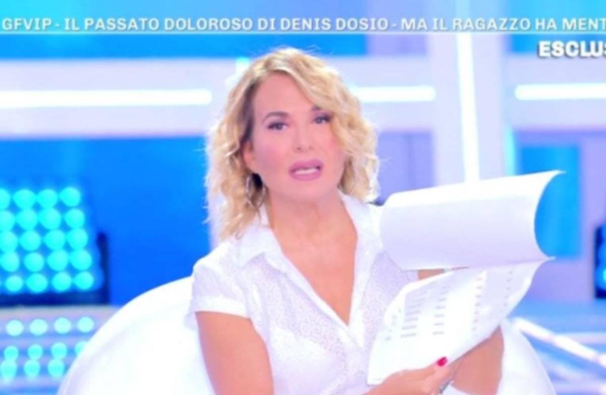 """""""Denis Dosio ha mentito"""". La rivelazione choc sul concorrente del GF Vip da Barbara D'Urso"""