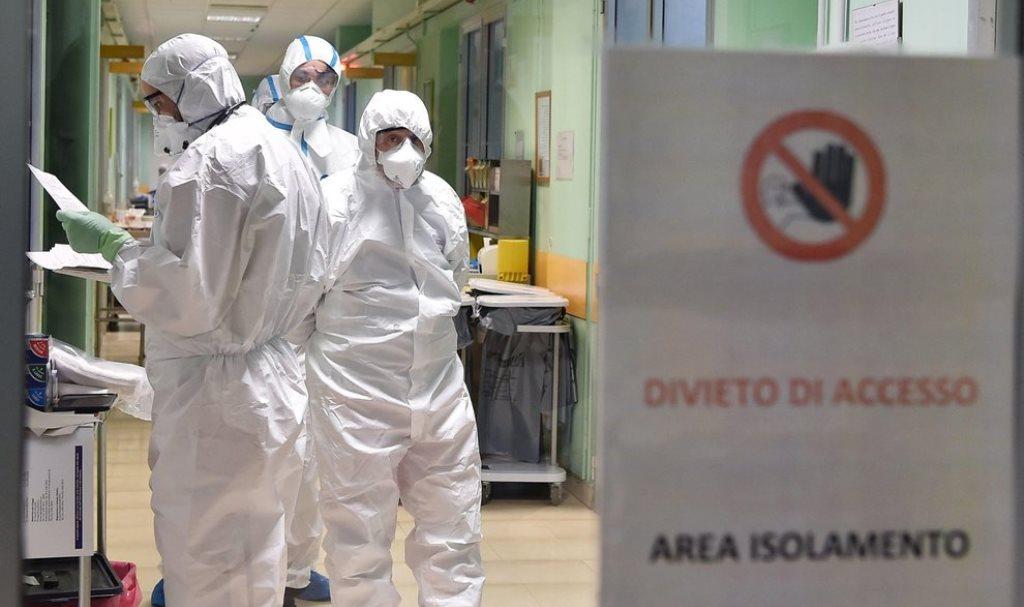Coronavirus, giornata nera in Italia: boom di contagi, decessi e ricoveri in intensiva