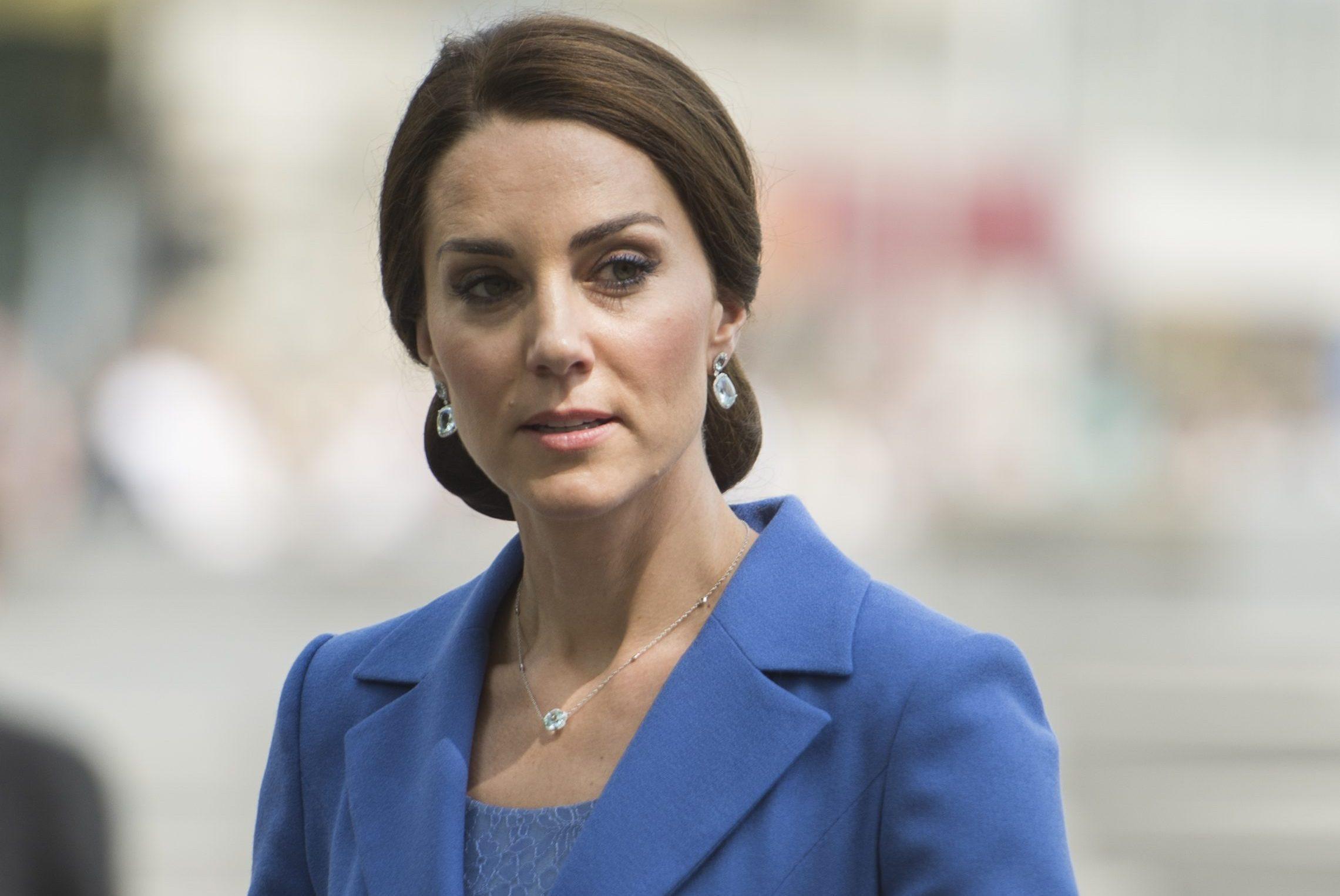 """""""Il tempo passa anche per lei…"""". Kate Middleton beccata a tradimento"""