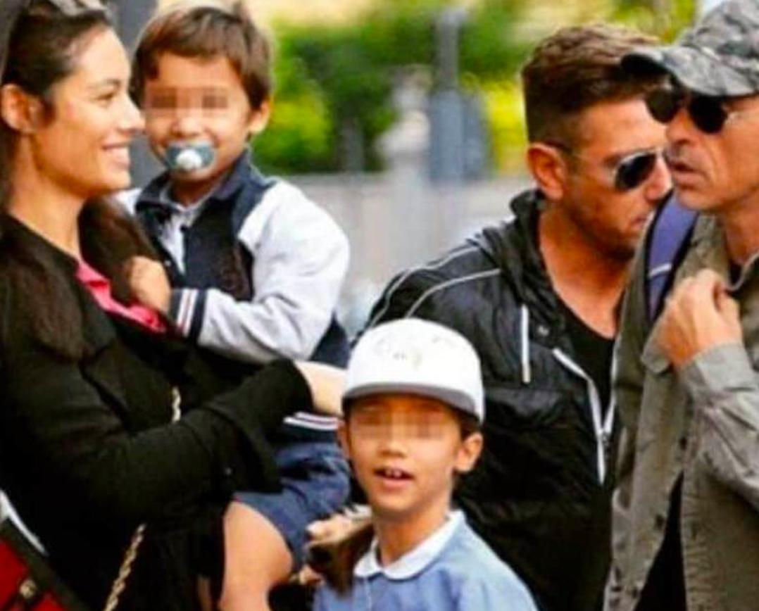 """""""Di nuovo insieme"""". Eros Ramazzotti, Marica Pellegrinelli e i figli. Spunta la foto e non solo: """"Lei è stata molto insistente…"""""""