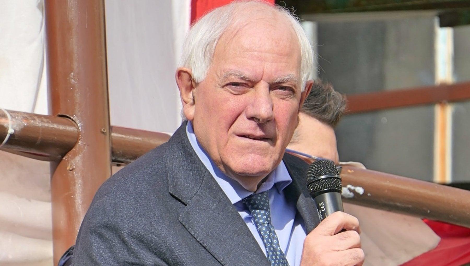 Addio Antonio: il sindaco ucciso dal Covid. Un'intera comunità in lutto
