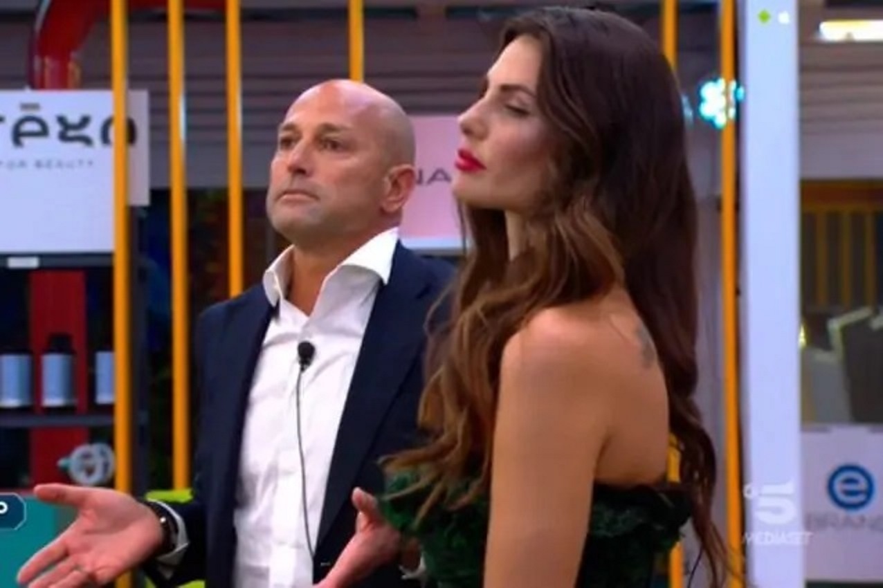 Elisa Isoardi in lacrime per la madre allIsola: Devo