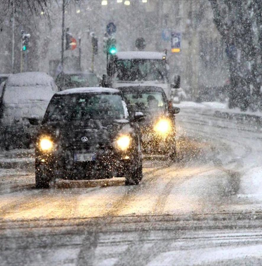 Meteo Italia, brutte notizie per weekend e ponte dell'8 dicembre. Forti venti, nubifragi e neve
