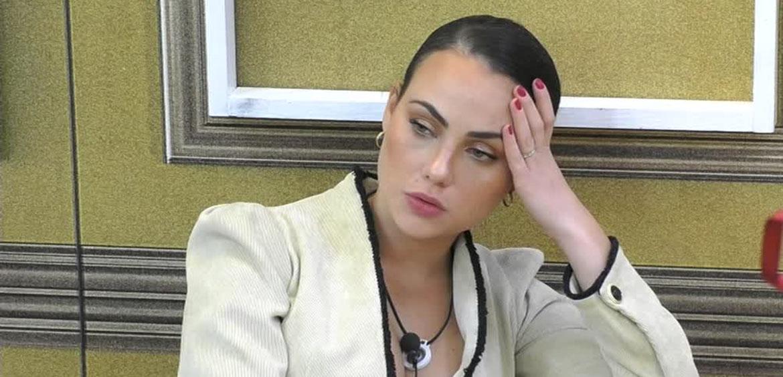 """GF Vip: Rosalinda Cannavò in crisi, """"Non ho bisogno di nessuno"""""""