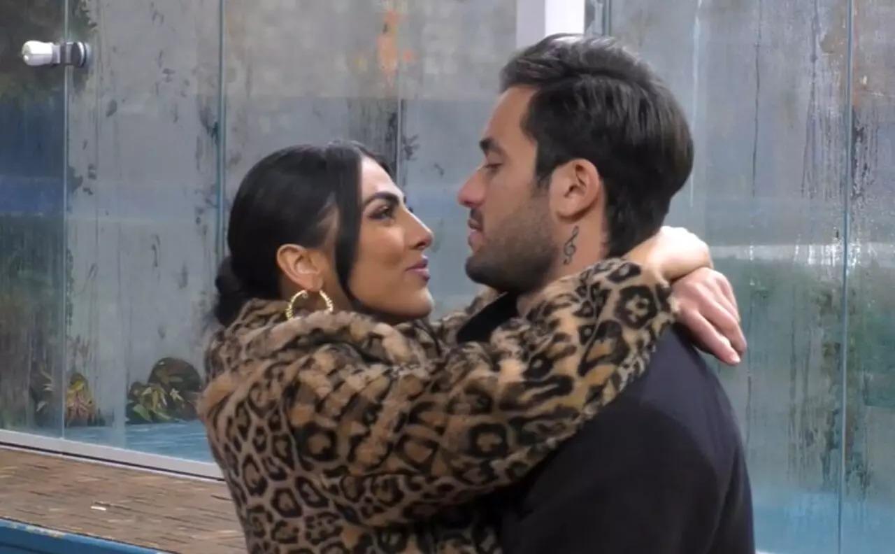 """""""L'ho dovuto fare. Mi capisci?"""". GF Vip, Pierpaolo Pretelli lo confessa a Giulia Salemi. E lei dice di sì"""