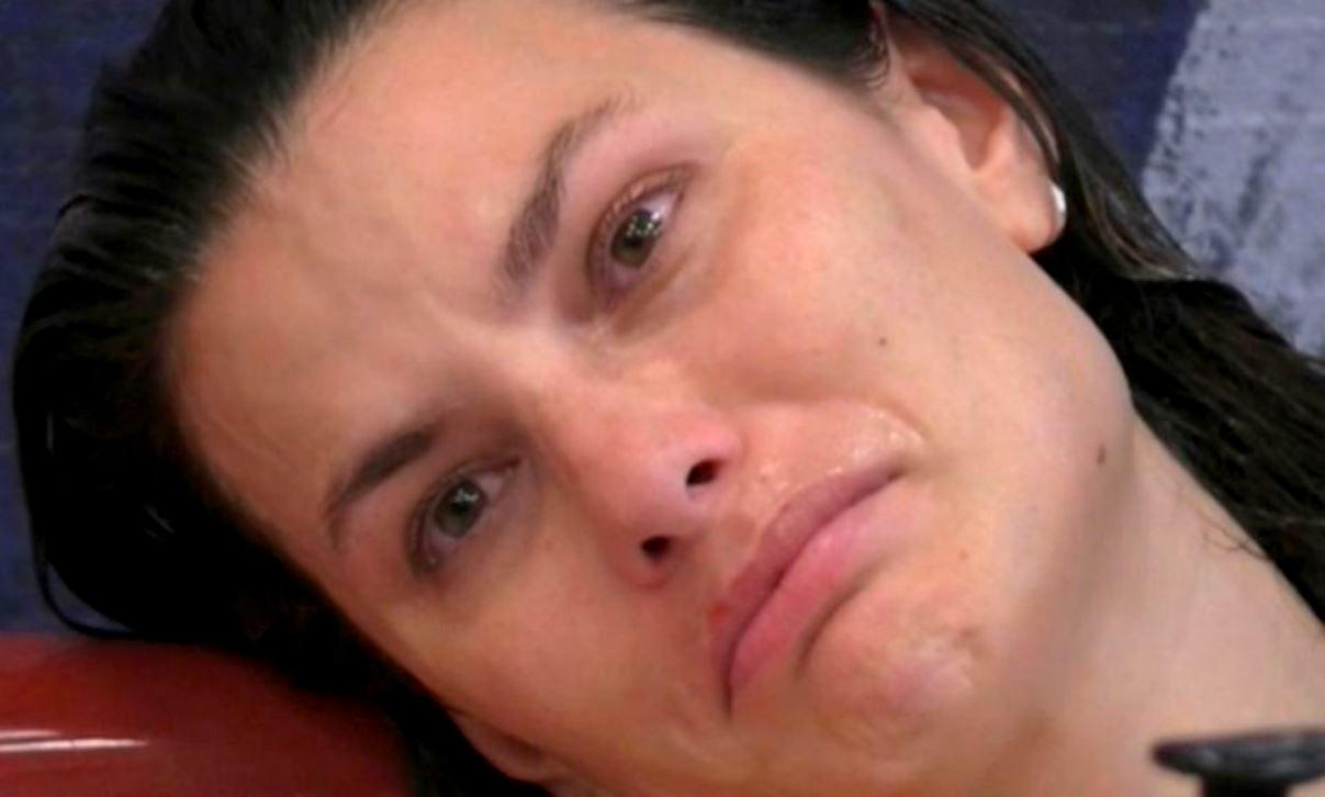 """Dayane Mello sta male a letto e la reazione di Giulia Salemi fa infuriare i fan: """"Non si è regolata"""""""