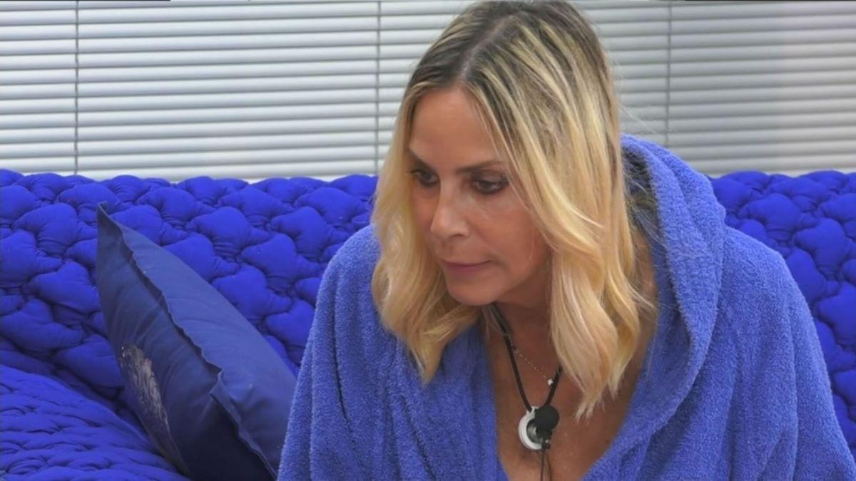 """""""Sapete che fa ogni notte nel letto?"""". Stefania Orlando dice tutto di Giulia Salemi"""