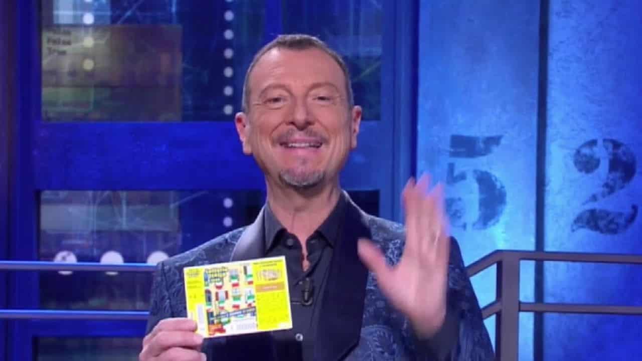 Amadeus annuncia le prime sorprese di Sanremo 2021: Laura Pausini ospite mercoledì sera