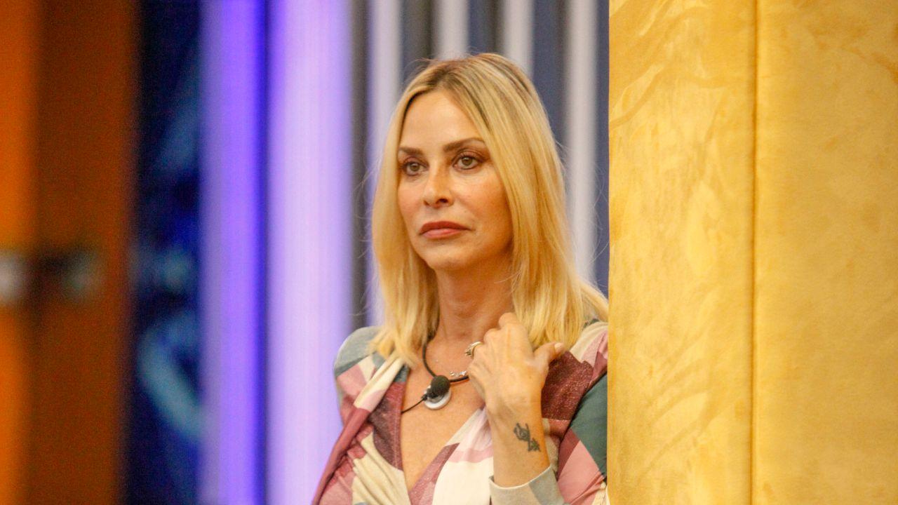 """""""Perché ha lasciato Andrea Roncato"""". Bomba a Pomeriggio 5, il marito di Stefania Orlando lo spiffera in diretta. Tutti muti"""