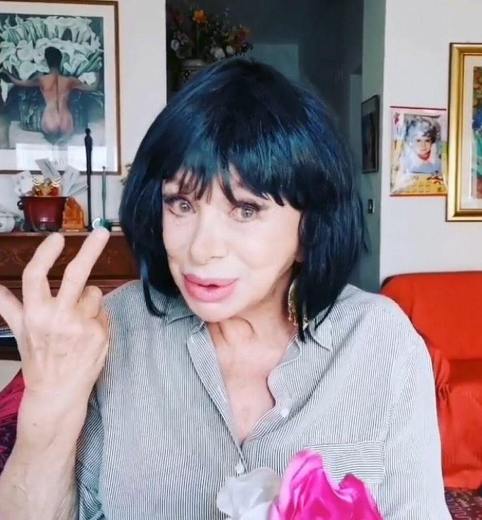 Sandra Milo, l'ultima trasformazione: con la parrucca nera ...