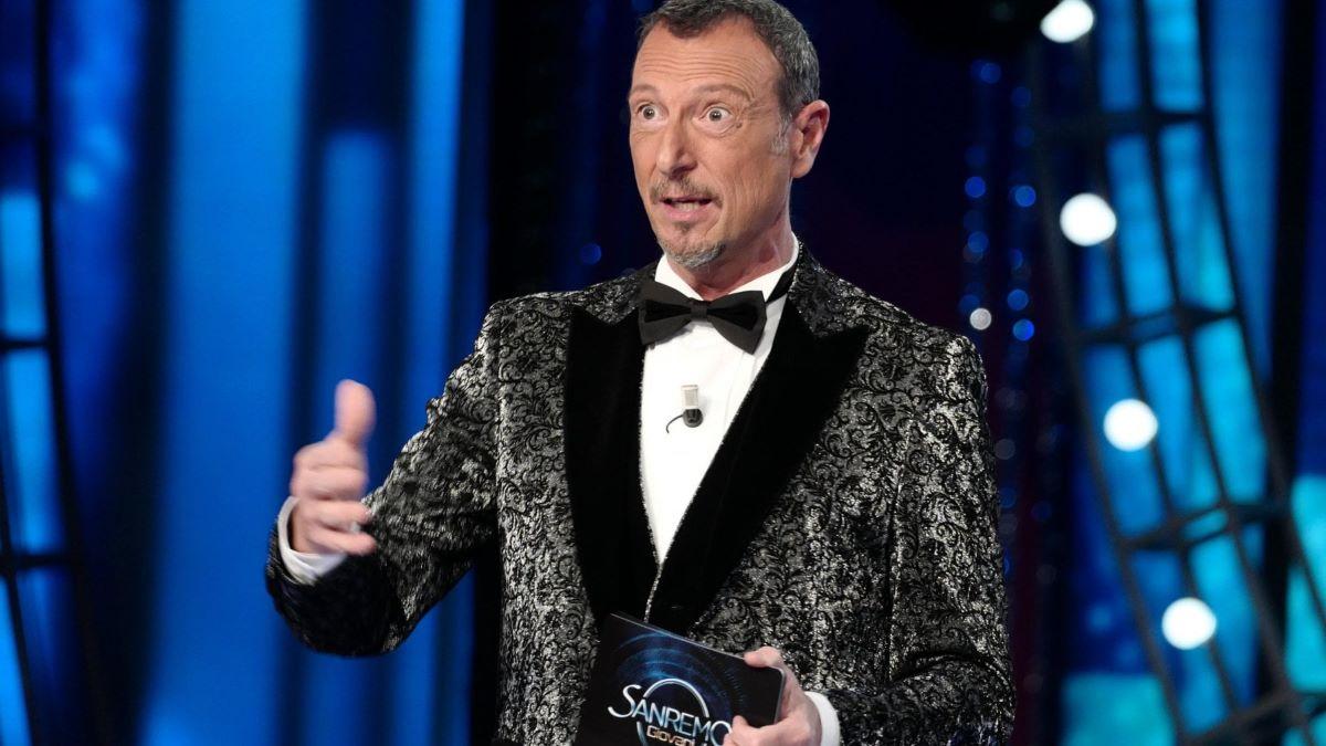 """Sanremo 2021, positivo al Covid. Terremoto a poche ore dalla prima serata: """"Salta l'esibizione del cantante big"""""""