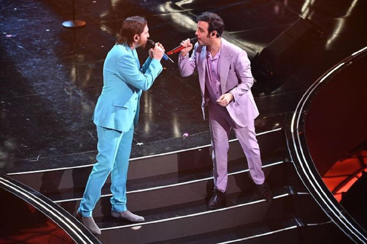 """""""Trattato così"""". Sanremo 2021, polemiche e veleni dietro le quinte. Succede dopo la premiazione, Willie Peyote alza un polverone"""