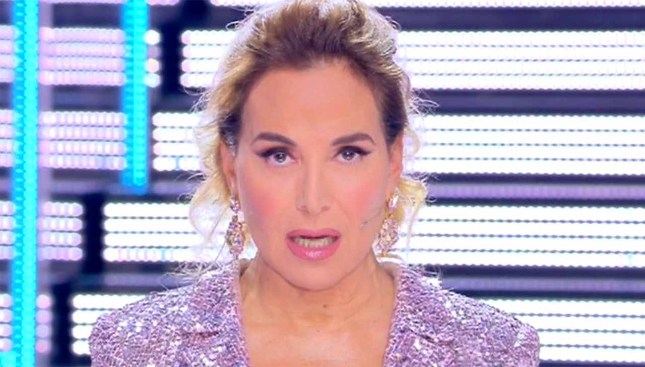 Barbara D'Urso Sostituita Lorella Cuccarini Maria De Filippi