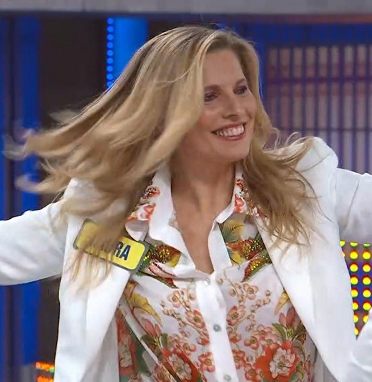 """""""Ma che fai?!"""". Paolo Bonolis, strano siparietto in tv con (la ex) Laura Freddi: """"Qui c'è mia moglie…"""""""