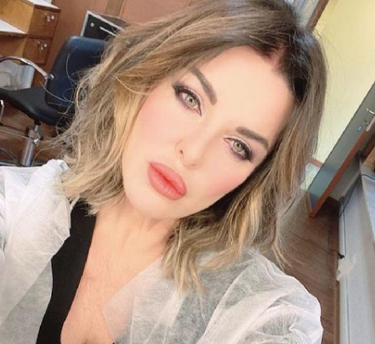 Alba Parietti Attacco Hater Foto Costume Instagram