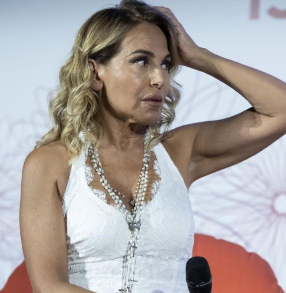 Barbara D'Urso Attacco Riccardo Bocca Trash