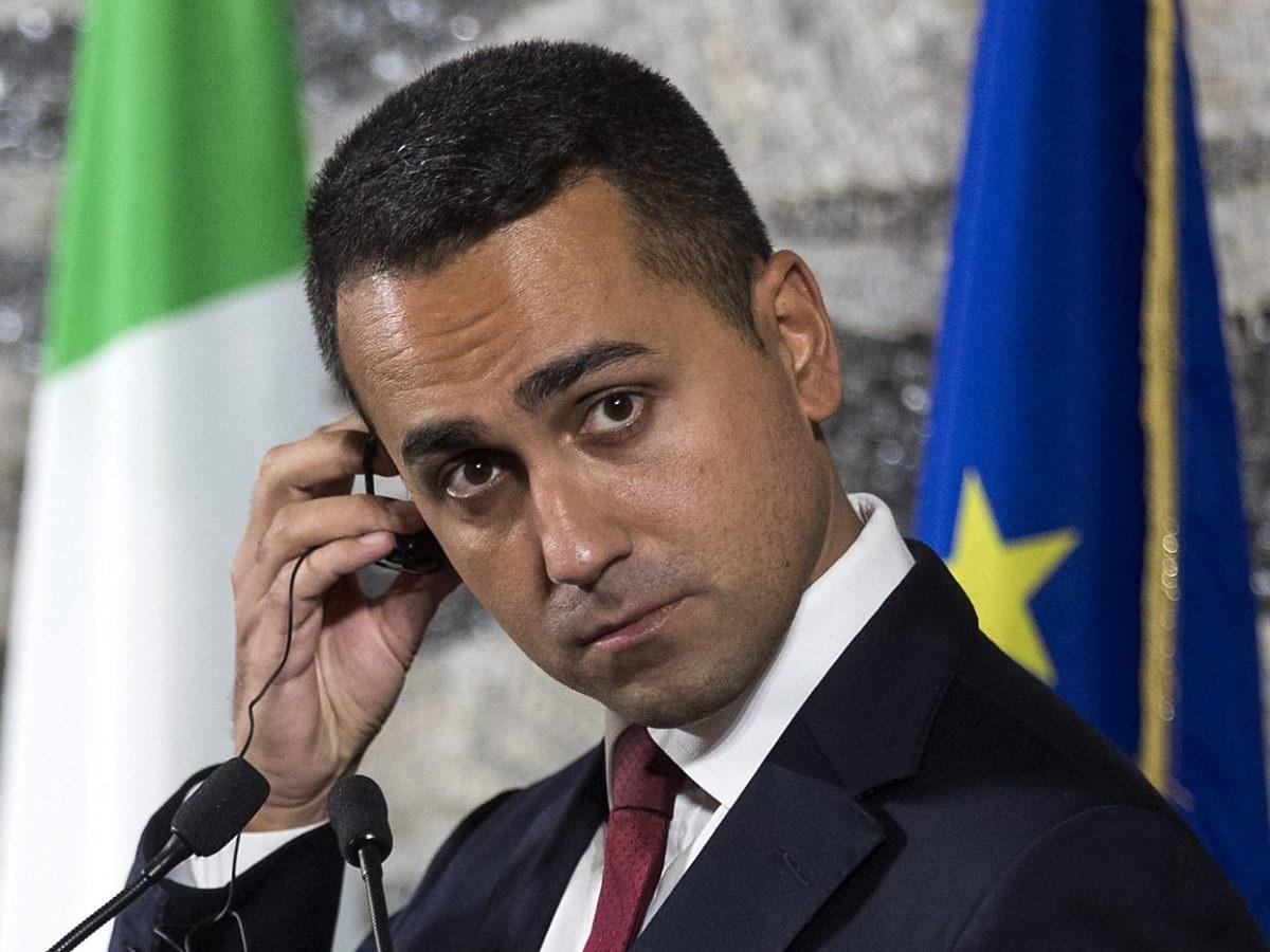 Cicciolina critica Luigi Di Maio svela vitalizio