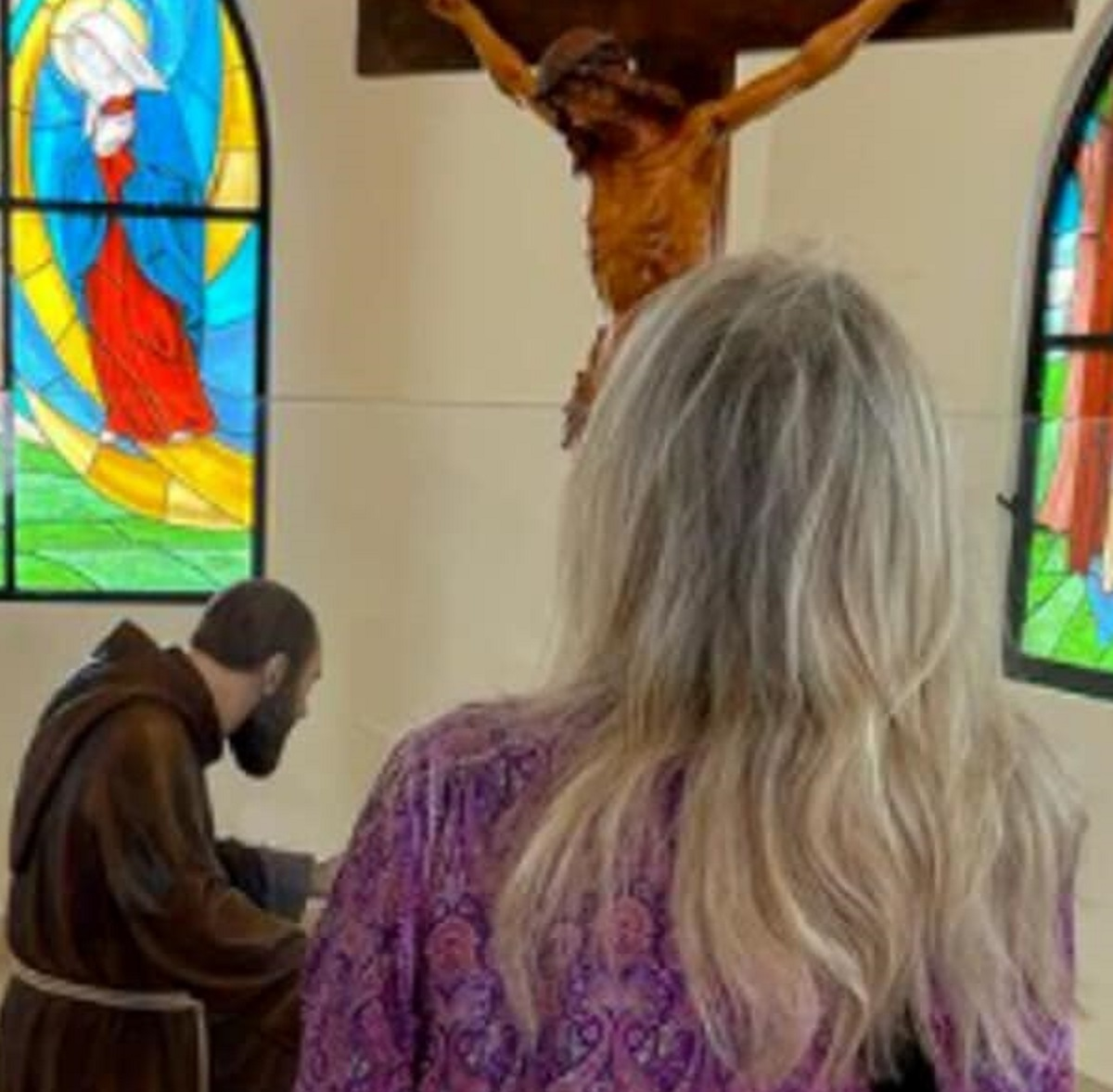 Mara Venier Pietrelcina foto preghiera Padre Pio