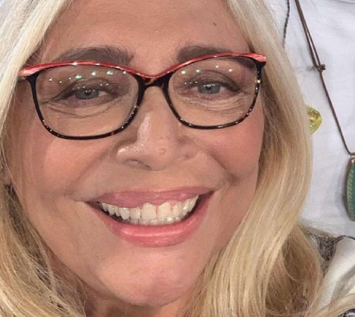 Mara Venier settimana dura operazione denti ringraziamenti diretta tv