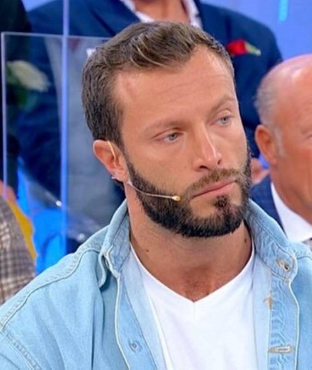 Michele Dentice Uomini e Donne Motivi Addio Lutto Problemi Economici