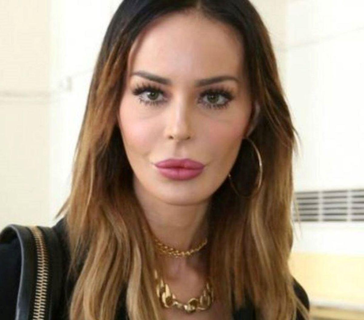 Nina Moric Accuse Fabrizio Corona Carlos