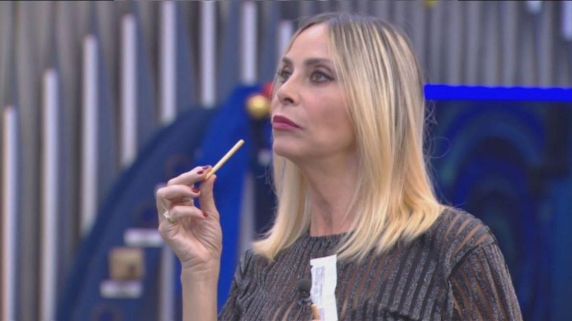 Stefania Orlando Provocazione La Vita in diretta Bugo