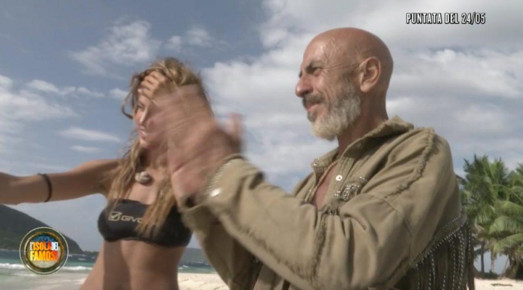 isola dei famosi beatrice roberto nudi