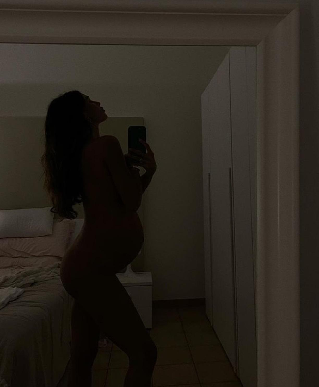 belen incinta 8 mesi