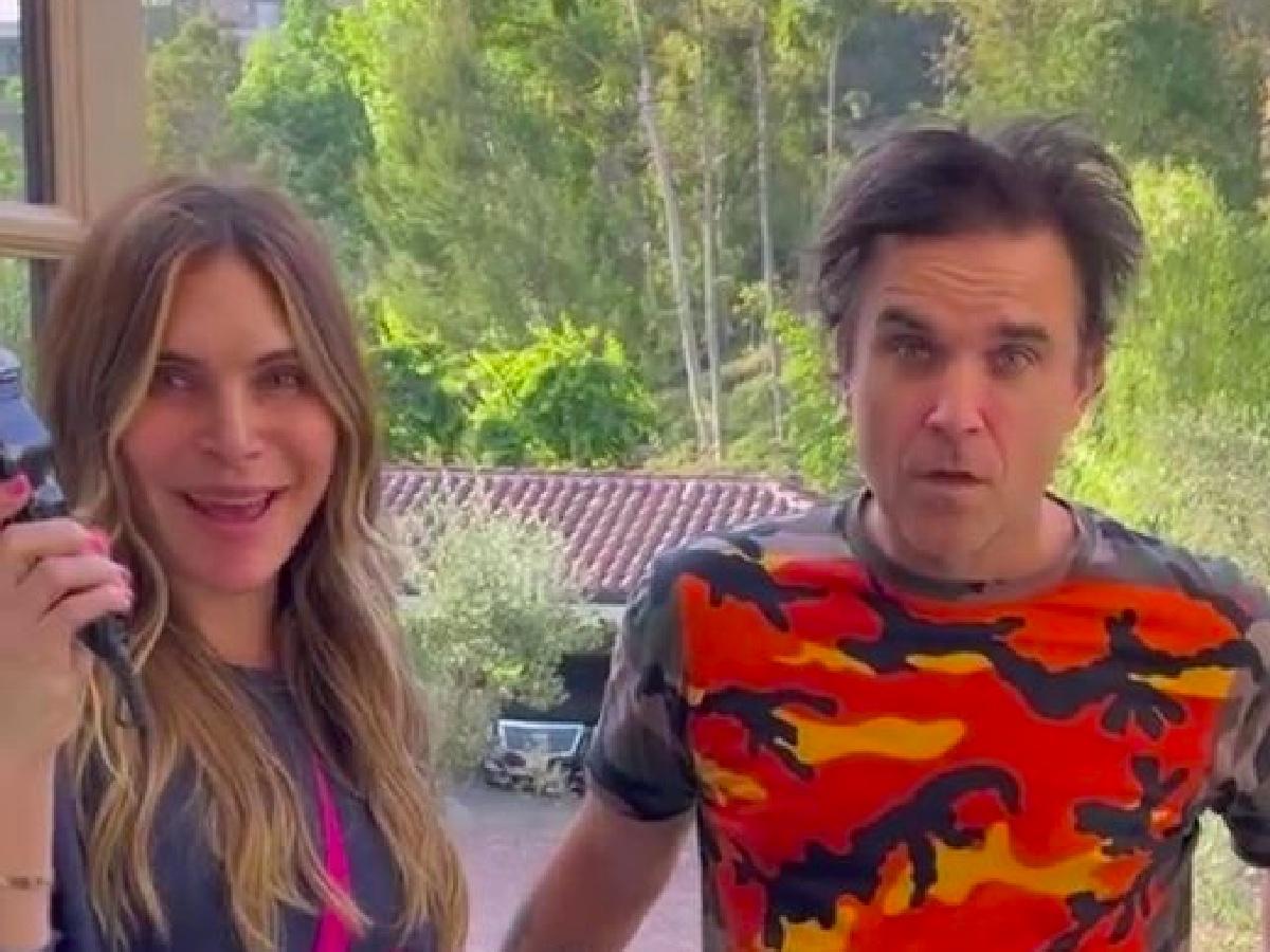 Robbie Williams, i capelli per l'Estate 2021 sono rasati