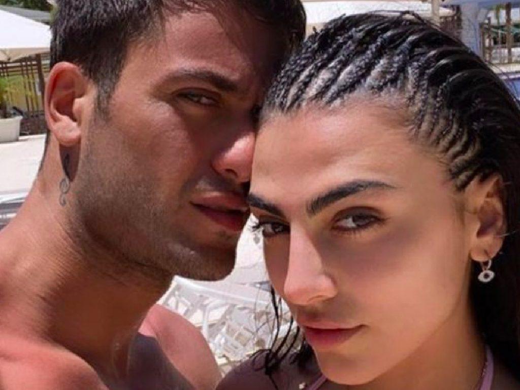 Giulia Salemi e Pierpaolo Pretelli, lei svela per sbaglio il nome del brano