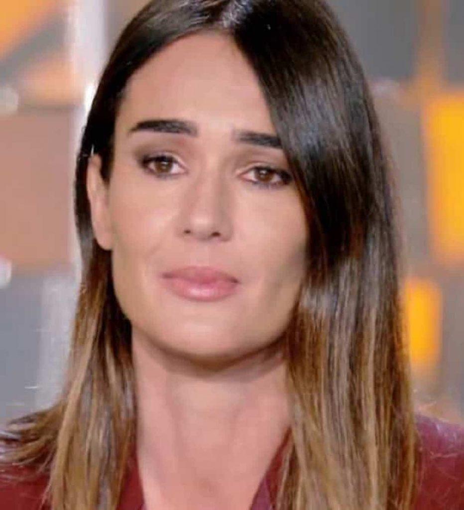 """""""Ora è in un clinica"""". Verissimo, Silvia Toffanin in lacrime. Il toccante racconto della sua ospite"""