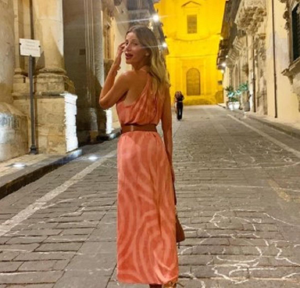 Alessia Marcuzzi foto topless vacanza marito