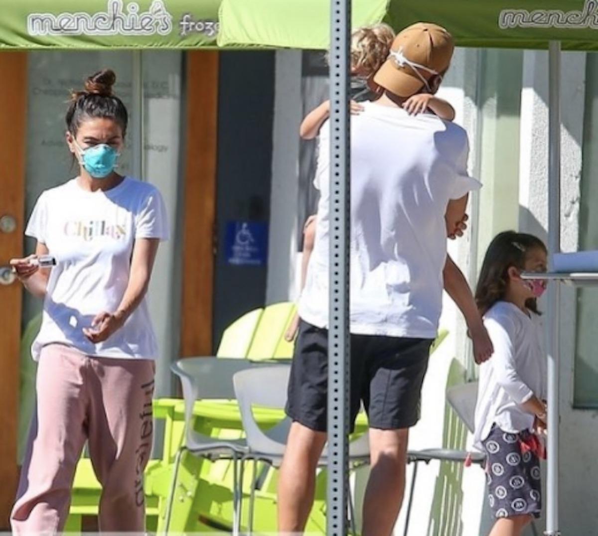 Ashton Kutcher Mila Kunis laviamo quando serve