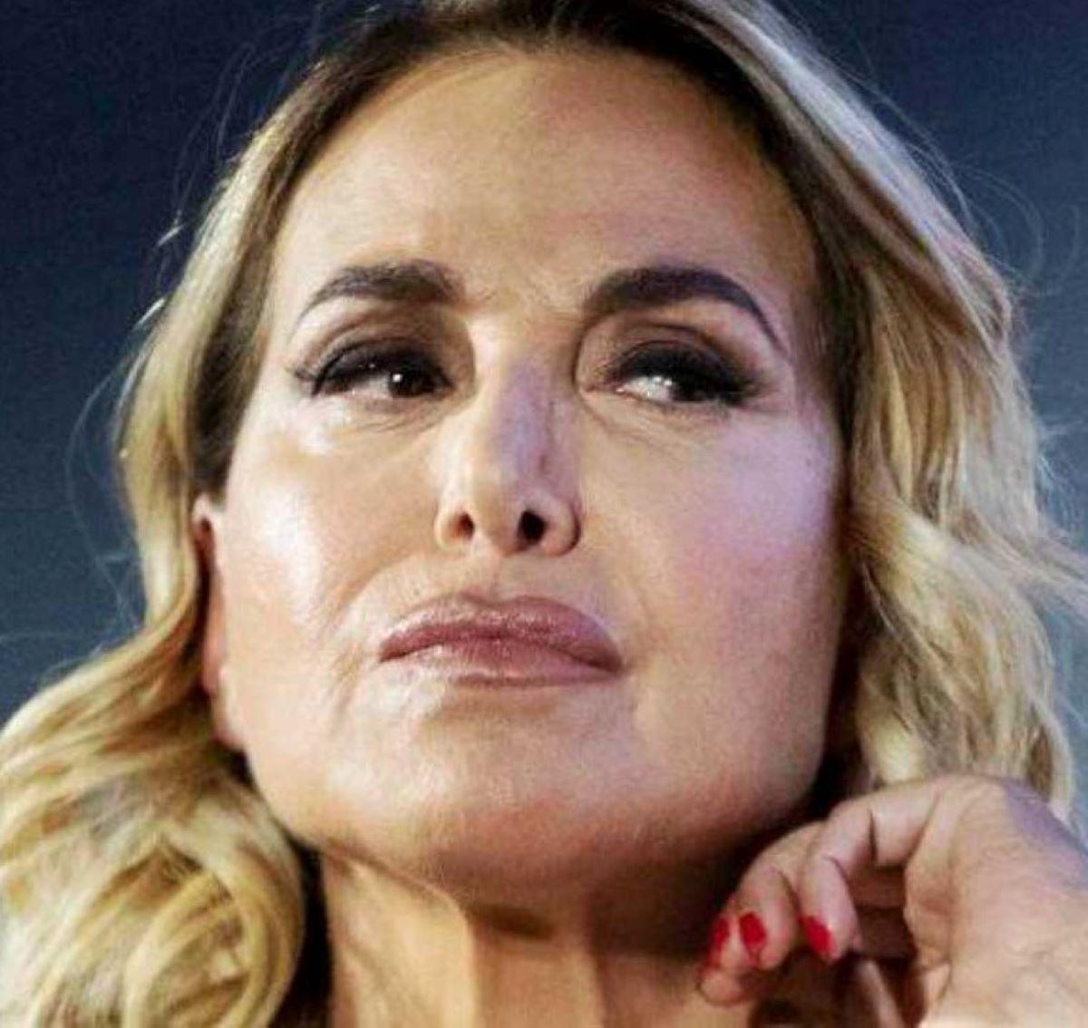 Barbara D'Urso Preoccupata Incendi Sardegna