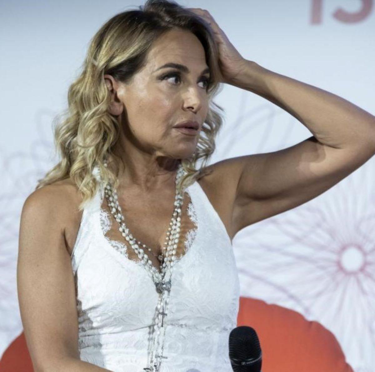 Barbara D'Urso Perché Non Ci Sarà Domenica Live Pier Silvio Berlusconi